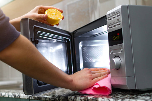 Tips to Remove Rust Inside a Microwave